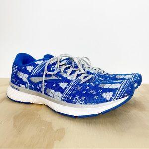 Brooks Run Merry Revel 3 winter holiday shoe 7.5